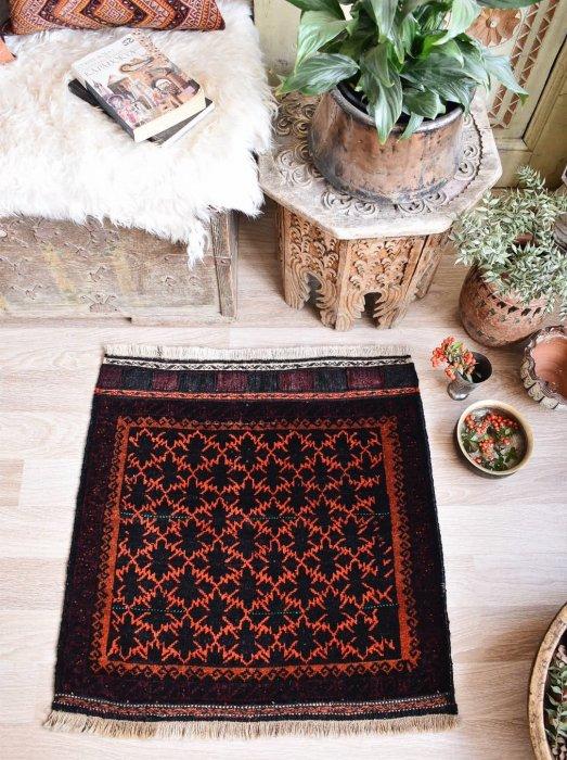 オールド絨毯 バルーチ  約71×71