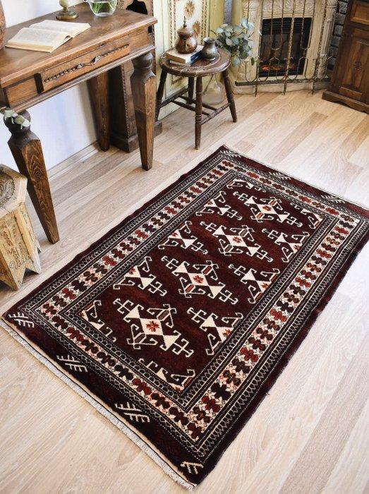 オールドペルシャ産トルクメン絨毯  約148×95