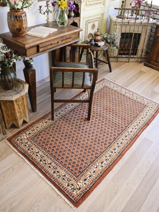 ペルシャ産オールド絨毯 約160×93
