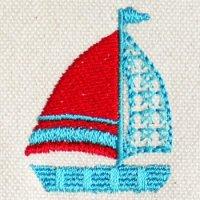 星マークの帆とヨット