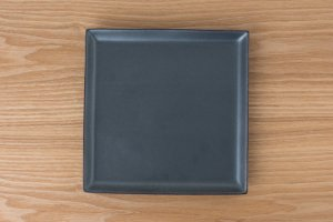 SQUARE | 角皿(大) 黒鉄砂