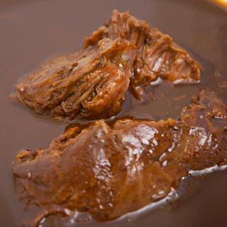 【和牛のほほ肉を丁寧に一晩八丁味噌で煮込んだ】牛ほほ肉の青柳仕立