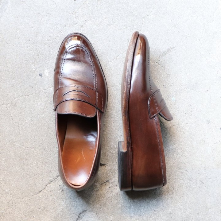 "<img class='new_mark_img1' src='https://img.shop-pro.jp/img/new/icons1.gif' style='border:none;display:inline;margin:0px;padding:0px;width:auto;' />""中古品"" Allen Edmonds(アレンエドモンズ)コインローファー Lake Forest US9.5 E ダークブラウン 1031 定価¥62,800-"