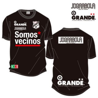 "<img class='new_mark_img1' src='https://img.shop-pro.jp/img/new/icons8.gif' style='border:none;display:inline;margin:0px;padding:0px;width:auto;' />JOGARBOLA×GRANDE ""Somos* vecinos"" DRY MESH T-Shirts - BLK/WHT"