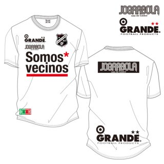 "<img class='new_mark_img1' src='https://img.shop-pro.jp/img/new/icons8.gif' style='border:none;display:inline;margin:0px;padding:0px;width:auto;' />JOGARBOLA×GRANDE ""Somos* vecinos"" DRY MESH T-Shirts - WHT/BLK"