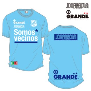 "<img class='new_mark_img1' src='https://img.shop-pro.jp/img/new/icons8.gif' style='border:none;display:inline;margin:0px;padding:0px;width:auto;' />JOGARBOLA×GRANDE ""Somos* vecinos"" DRY MESH T-Shirts - L.BLU/WHT"