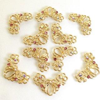 透かしシェルビジュー(4個)海の宝石 ガラス付ゴールドチャーム