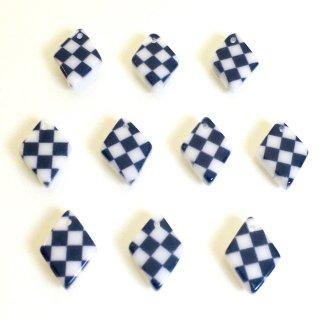 市松模様(4個)樹脂製チャーム ひし形
