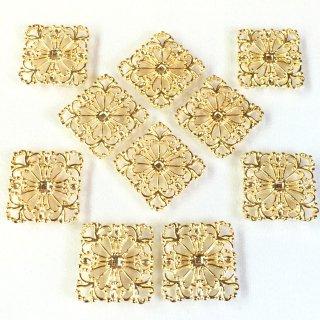 透かしパーツ四角15mm Bタイプ四葉(8個)ゴールド