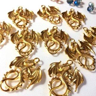 ドラゴン翼を広げる ゴールド(2個)竜チャーム