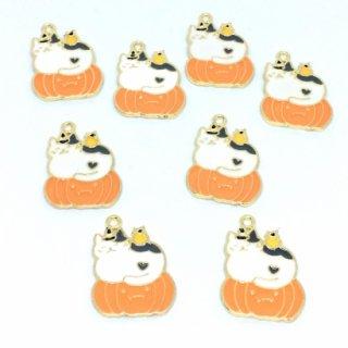 8個  ハロウィンキャット【かぼちゃ猫】 ゴールドチャーム ネコ
