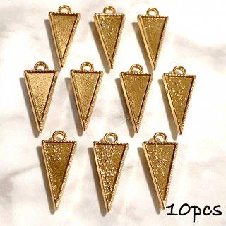 10個 トライアングルの薄型レジンフレーム 逆三角形 ゴールド ミール皿 貼り付け