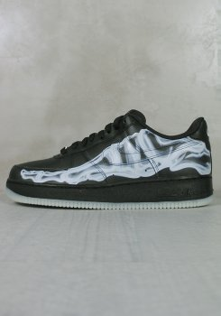 <img class='new_mark_img1' src='https://img.shop-pro.jp/img/new/icons20.gif' style='border:none;display:inline;margin:0px;padding:0px;width:auto;' />NIKE<br>AIR FORCE 1 '07 SKELETON QS<br>[新品]