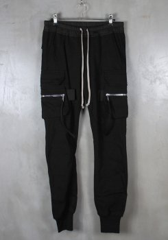 <img class='new_mark_img1' src='https://img.shop-pro.jp/img/new/icons20.gif' style='border:none;display:inline;margin:0px;padding:0px;width:auto;' />RICK OWENS<br>JOG CARGO PANTS<br>[新品]