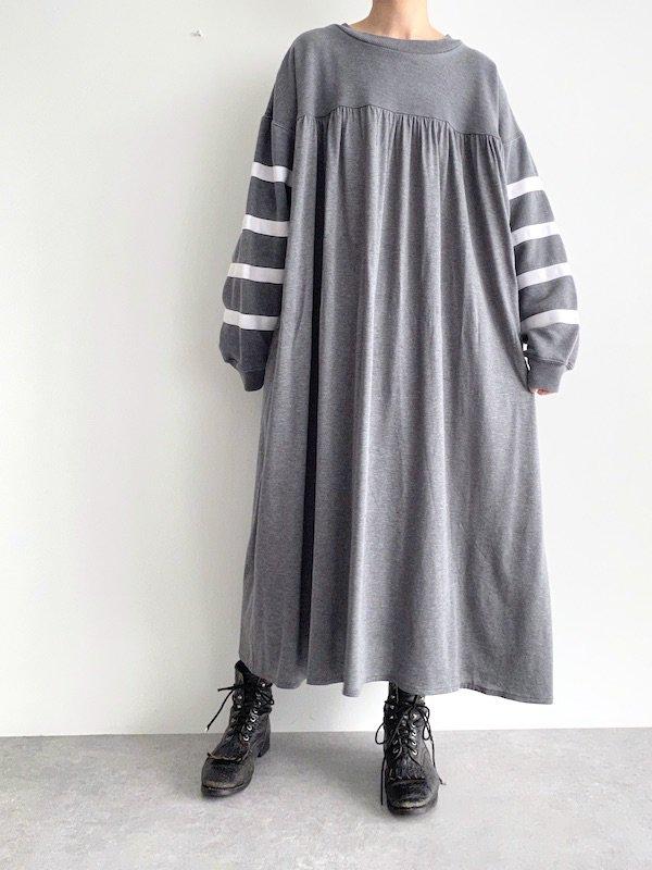 Remake   sweat smog dress / リメイクスウェットスモッグワンピース (D.gy)
