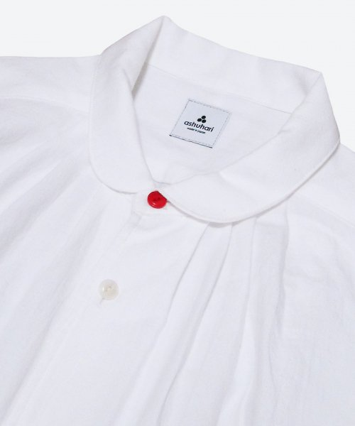 RED BUTTON round collar tuck shirt  ( ashuhari )