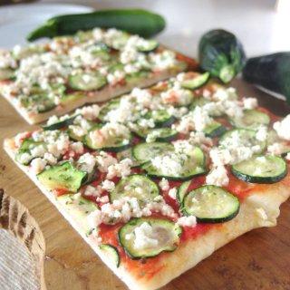 ギフトにも嬉しい自然食品♪有機野菜の天然酵母ピザ<綾ズッキーニ>