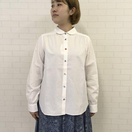 Parkes - ブロード丸衿ヨークギャザーシャツ(リバティ釦)
