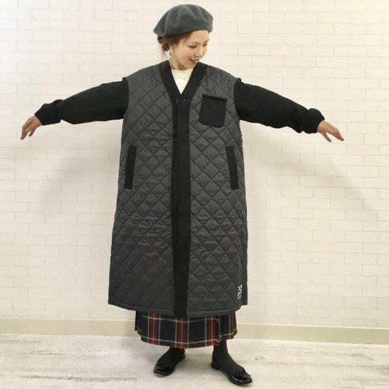 LAVENHAM - ブラックス 50周年記念ノーカラーキルティングコート (BLACKS 50th COLLARLESS COAT) 正規取扱商品
