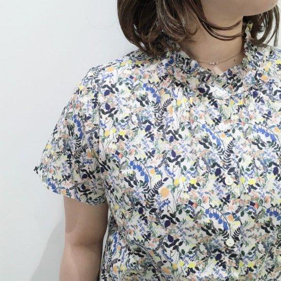 Parkes - スタンドフリル 半袖シャツ(リバティコレクション)