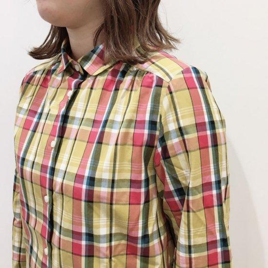 Parkes - 100/2コットンマドラスチェック 丸衿ヨークギャザー長袖シャツ