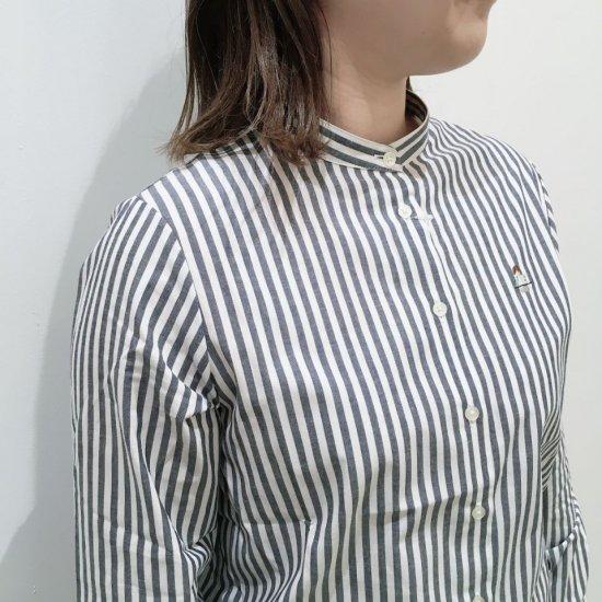 Parkes - 40ブロード 料理を待ってる人刺繍 バンドカラー長袖シャツ