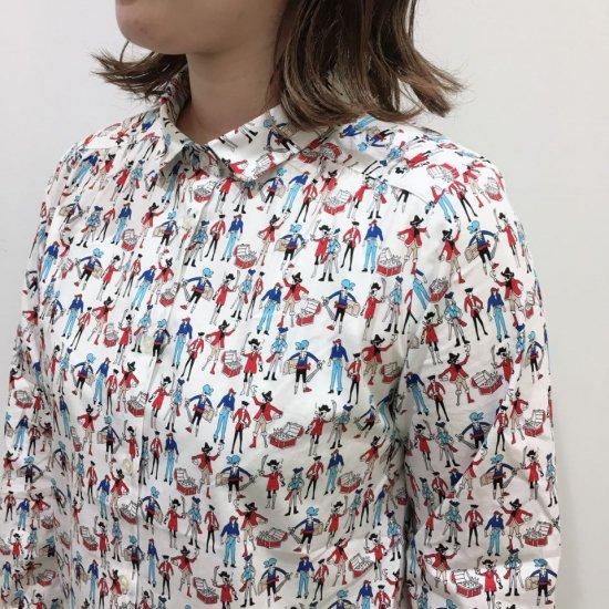 Parkes - 40ブロード パイレーツ柄 丸衿ヨークギャザー長袖シャツA