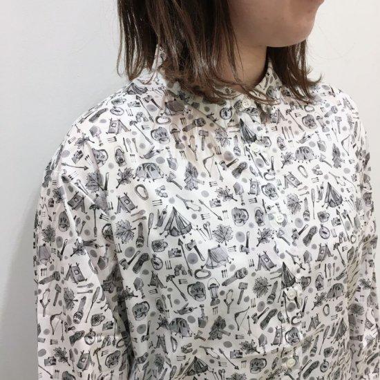 Parkes - プチレギュラーカラーの長袖シャツ(リバティコレクション)