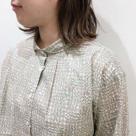 Parkes - プチラウンドカラー 衿元タックの長袖シャツ(リバティコレクション)