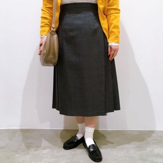 O'neil of Dublin - 両脇ベルト 後プリーツスカート(無地73cm丈)正規取扱商品