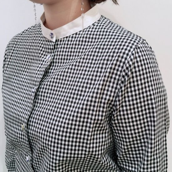 Parkes - 40ブロード クレリック ストライプ&ギンガムチェックのバンドカラーシャツ (リバティアソートくるみ釦)