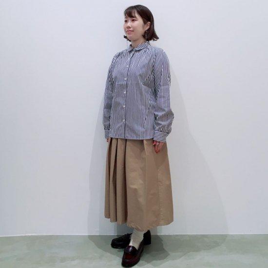 Parkes - ロンドンストライプ プチ衿ヨークギャザーのシャツ