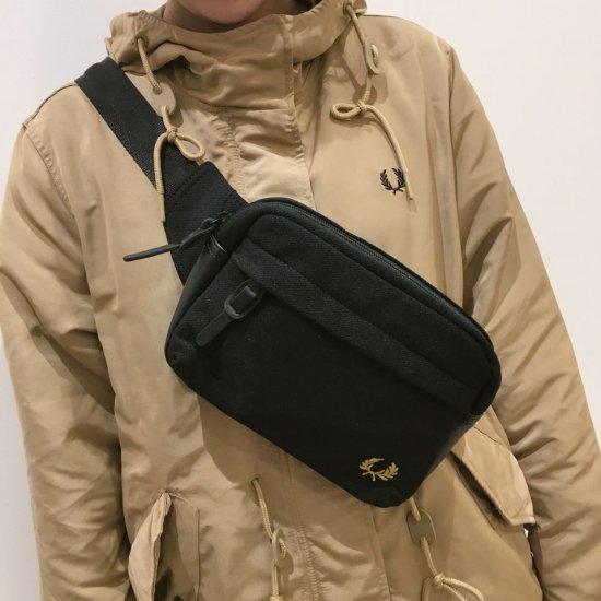 FRED PERRY - PIQUE CROSSBODY BAG (L2248) 正規取扱商品