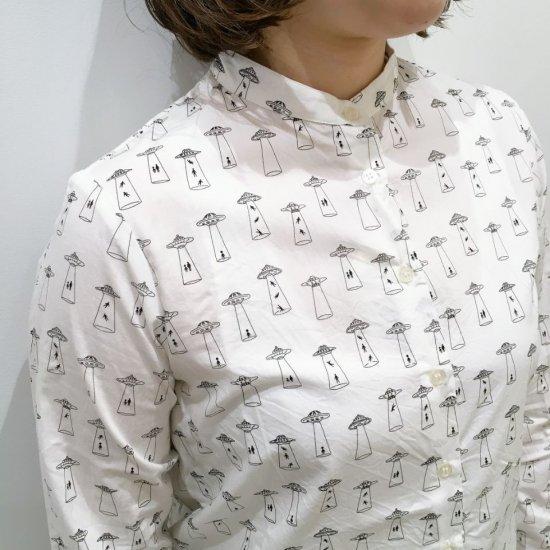 Parkes - ブロード UFO柄 スタンドカラーのシャツ