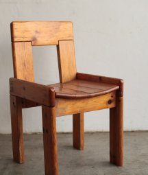 <img class='new_mark_img1' src='https://img.shop-pro.jp/img/new/icons23.gif' style='border:none;display:inline;margin:0px;padding:0px;width:auto;' />solid pine chair[LY]