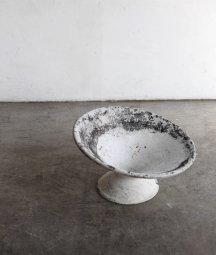 planter pot / Willy Guhl