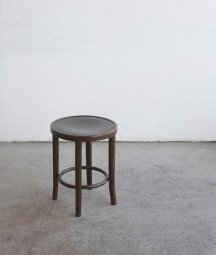 <img class='new_mark_img1' src='https://img.shop-pro.jp/img/new/icons23.gif' style='border:none;display:inline;margin:0px;padding:0px;width:auto;' />bent wood stool[AY]