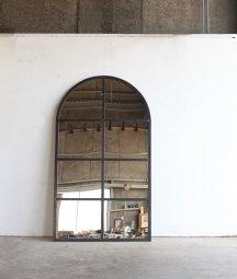 iron frame mirror[DY]