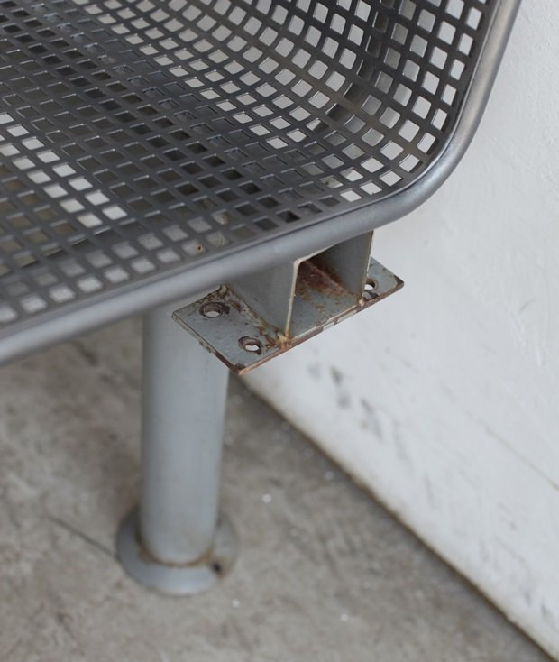 station bench[AY]
