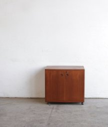bar cabinet /Illum Wikkelsø[AY]