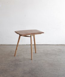 <img class='new_mark_img1' src='https://img.shop-pro.jp/img/new/icons23.gif' style='border:none;display:inline;margin:0px;padding:0px;width:auto;' />ERCOL end table