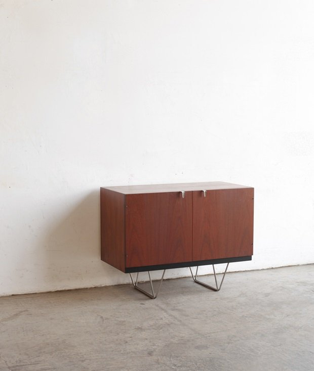 sideboard / STAG