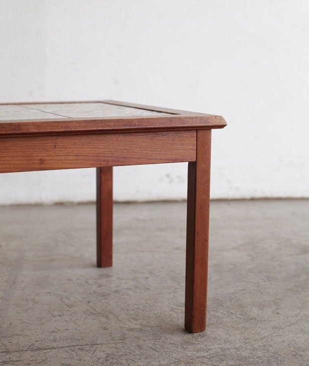 tile top table / Toften[AY]