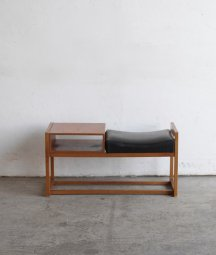 telephone bench[DY]