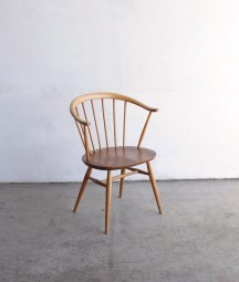 <img class='new_mark_img1' src='https://img.shop-pro.jp/img/new/icons23.gif' style='border:none;display:inline;margin:0px;padding:0px;width:auto;' />ERCOL smoker's chair