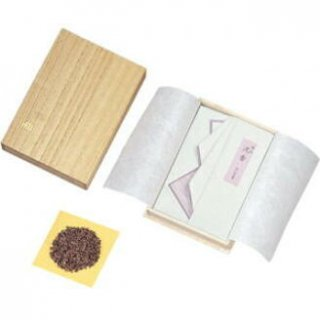 玉初堂の香木 極品 沈香 30g たとう紙包み 桐箱仕立