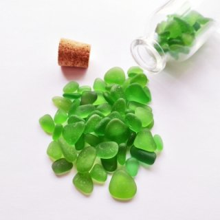 BZ-22 緑色系シーグラス(ビーチグラス)入り小瓶オブジェ