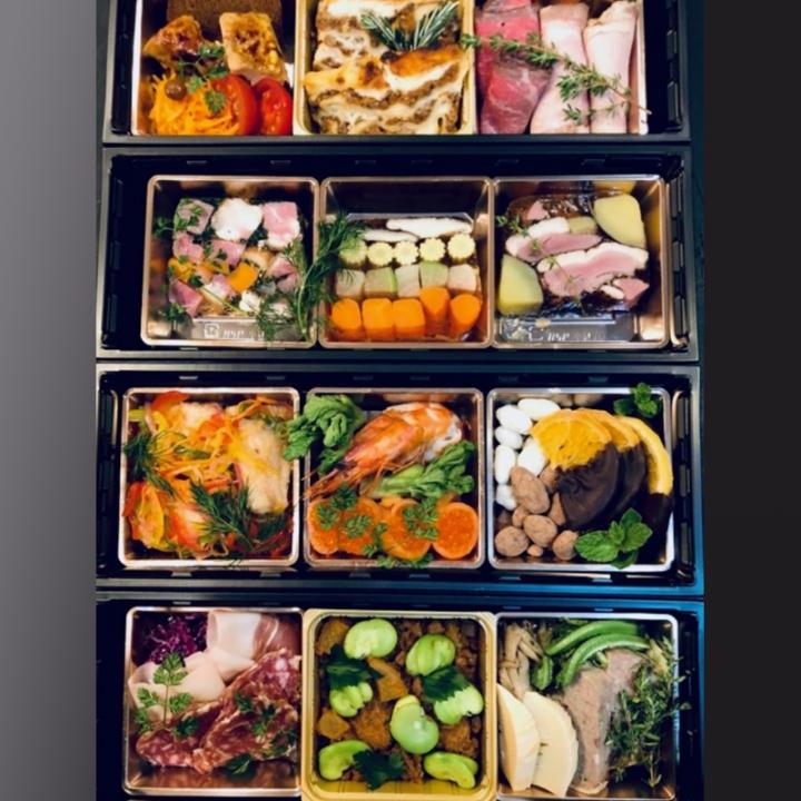 釜津田特製オードブルセット【3升×4箱】ご自宅の記念日などにご利用ください。※内容は一部お任せとなります。