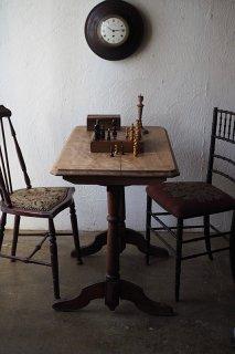 時を追う、柔らかなパブテーブル-french pub table