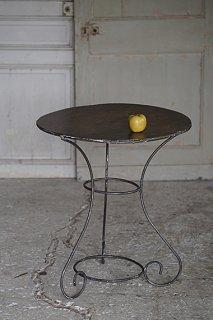 ガーデンテーブル-wrought iron round table